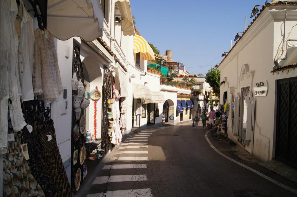 Positano shops