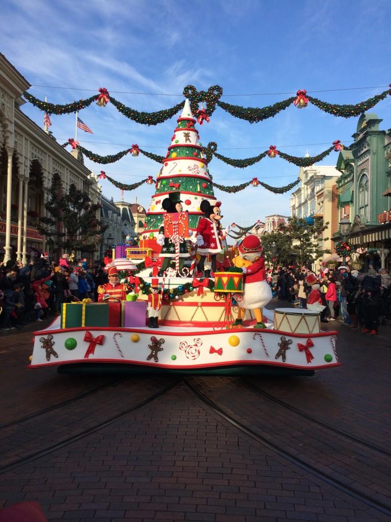 visiting disneyland paris at christmas time travel drink dine
