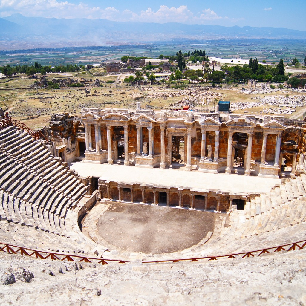 Visiting-Pamukkale-and-hierapolis-copyright