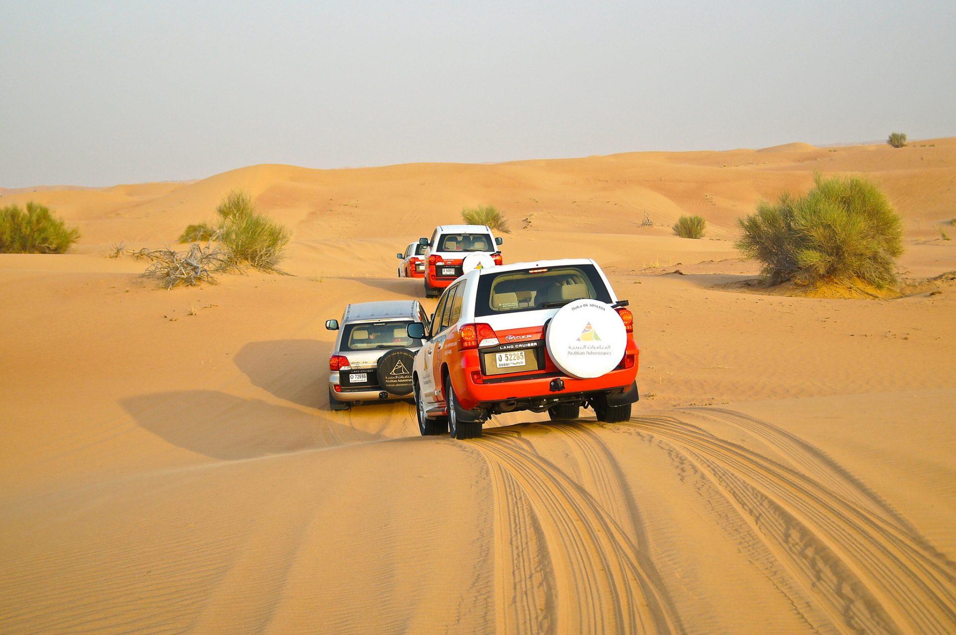 desert safari and dune bashing in dubai travel drink dine. Black Bedroom Furniture Sets. Home Design Ideas