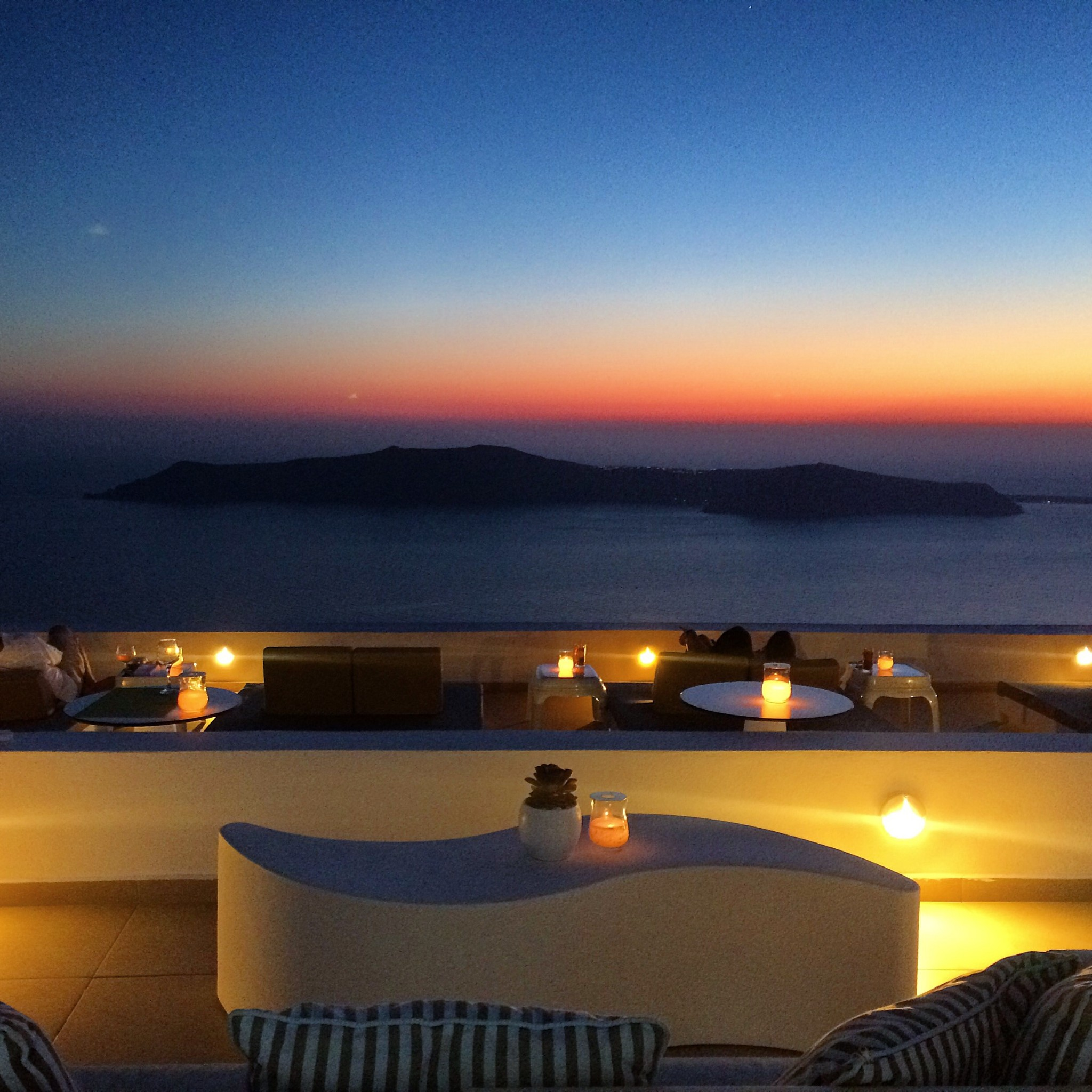 La Maltese Restaurant Bar to watch the sunset in Santorini - copyright