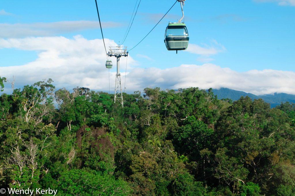 Kuranda+Heritage+scenic+railway+train+rainforest+Queensland